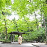 和装も映える日本庭園