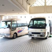 ご両家合計2台まで無料の送迎バス
