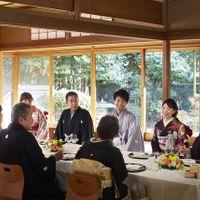 和室「神泉亭」で会食