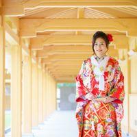 新しい檜の香りを感じながら、色打掛の前撮りはいかがですか?神門回廊は新しい迎賓館TOKIWAのフォトスポットに!