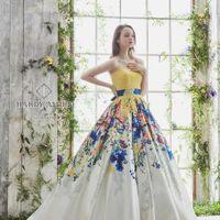 最旬のドレスをご準備しております。お気に入りの1着を見つけましょう♪