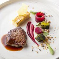 【MER】フィレミニヨン 赤ワインソース  リーク、ビーツ、ポテトケーキと共に