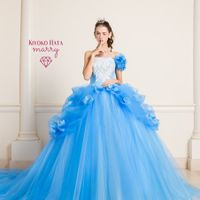 """日本一可愛い結婚式準備サイト""""marry""""と人気ウェディングドレスブランド""""KIYOKO HATA""""がコラボしたお姫様ドレス。 このドレスがどこよりもリーズナブルに着れるのはパドドゥ・ル・コトブキが選ばれるポイントの一つです。"""