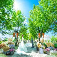 「はじまり・永遠」の樹言葉を持つメタセコイアの800mの並木道の先にある最高のロケーションリゾート。