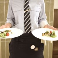 レストラン営業もしているサービススタッフはフレンドリーです♪