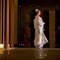 美しさに魅了される荘厳な空間、雅やかな誓いの儀式を