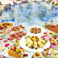 華やかなパーティのクライマックスには、20種類のデザートと季節のフルーツをおもてなしの気持ちを込めてブッフェスタイルでご用意しております。