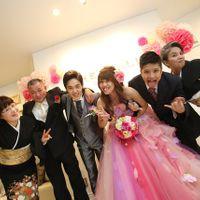 結婚式を終えての一枚★素敵な笑顔の瞬間です♪
