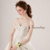 繊細な素材で作られたこだわりのドレスをまとってとびきり美しい花嫁に!