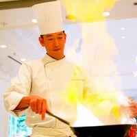料理長・髙木はオーストラリア(シドニー)の国賓をもてなす領事館で活躍。その後ウェスティンホテル東京、パークハイアット東京を経て現在に至る。