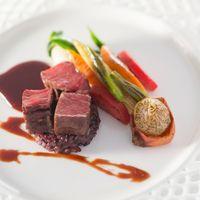 御肉料理 「 牛フィレ肉のグリル 京の野菜の映るミノワール 」