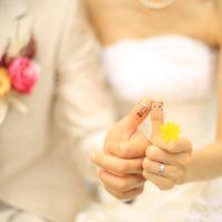 大切な指輪も可愛く写真に残したいっ!!そんな方は前撮りの時にカメラマンに撮影を依頼しちゃいましょう♪