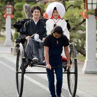 本格神社式のあとは、人力車でメルパルクへ・・・