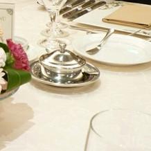 テーブルが洗練されていて、綺麗でした。
