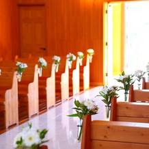 自然の光が優しい教会