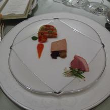 トマト、フォアグラ、鴨の前菜