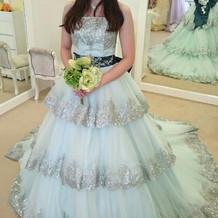 ミントグリンのドレス