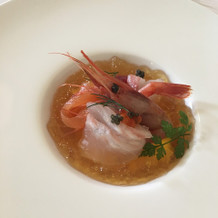 前菜。鮮魚と人参のムース