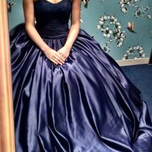 紺のドレス