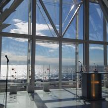 クリスタルチャペルから見える海