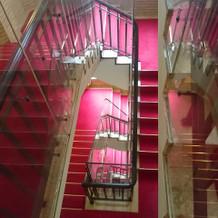 大階段を覗いて