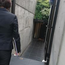 式場入り口