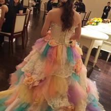 顔出し嫌なのでカラードレスの後ろ姿