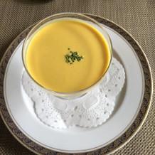 かぼちゃの二層の冷製スープ