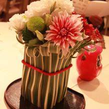 和の雰囲気ぴったりのテーブル装花