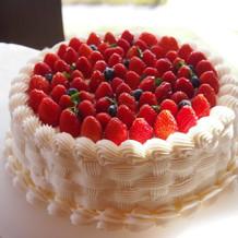 注文したウェディングケーキの最下段。