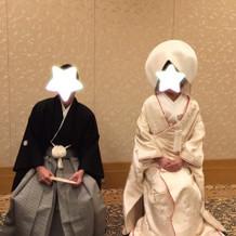 紋付袴、白無垢。