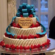 ケーキのリボンの色も希望通りでした