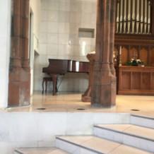 チャペル グランドピアノ