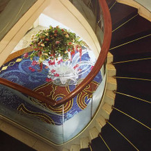 階段のようす。水の流れをイメージしている