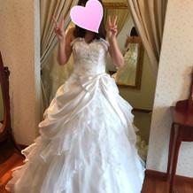 選んだドレスです