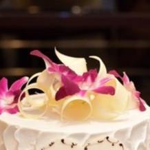 ウェディングケーキのお花も綺麗でした
