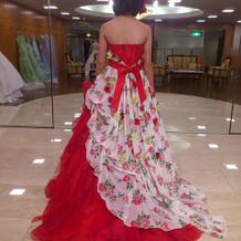 ドレス決定