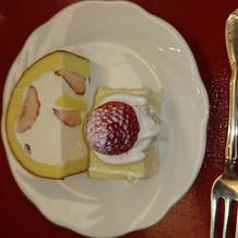 ケーキ。ロールケーキが感激のお味でした。