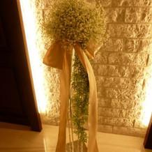 チャペルのお花は造花でしたが可愛かった