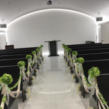 式場は、真っ白で綺麗です。