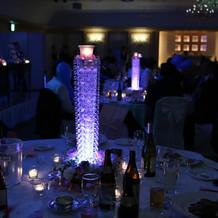 各テーブルに光の演出