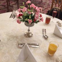 少人数用の披露宴会場(テーブル)