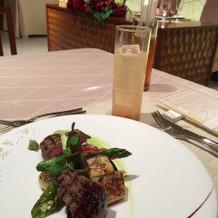 肉と野菜のプレート