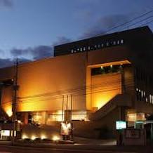 夜の千草ホテル外観