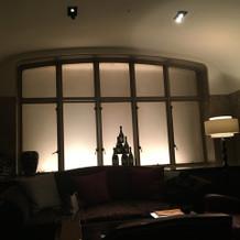 ゲストの待合室です。広く落ち着いた空間。