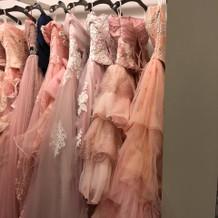ガーリーなピンクドレス