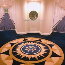 27階のお部屋前の廊下
