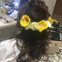 写真はホテル側で用意した造花