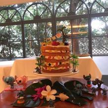 パンケーキタワー風ウェディングケーキ