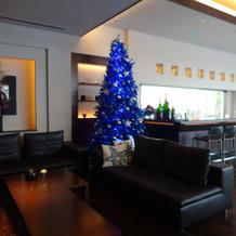 青いクリスマリツリー